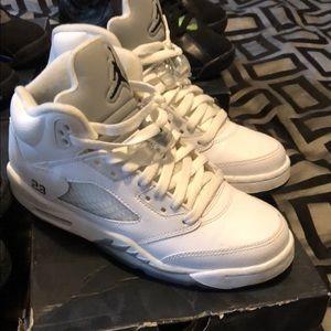 Shoes - Jordan Retro 5s White Metallic